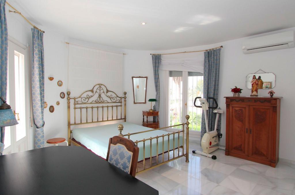 RV0013GE : Дом с видом на море  в  Кальпе