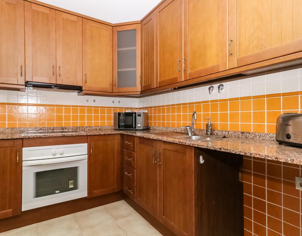 GT-0141-TK : Хорошая 2-комнатная квартира в 3-х этажном доме в Торревьеха