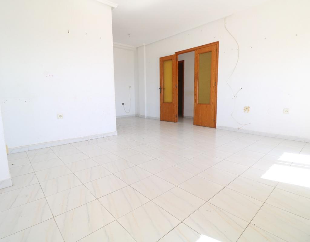 RV0171PR : Большая квартира с прямым видом на море, Торревьеха