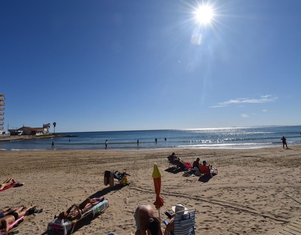 RV0174KO : Пентхаус  с туристической лицензией на пляже в Торревьехе