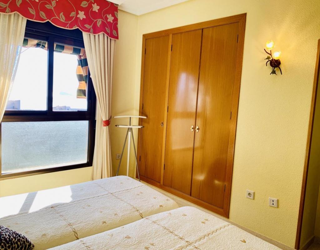 RV1901FI : Квартира с видом на море Бенидорм, Пониенте
