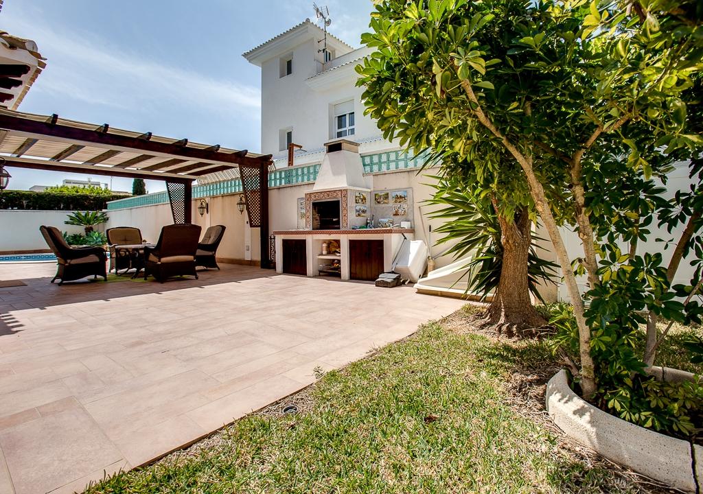 RV0213GL : Красивая и роскошная вилла в Кабо Роиг с бассейном и садом