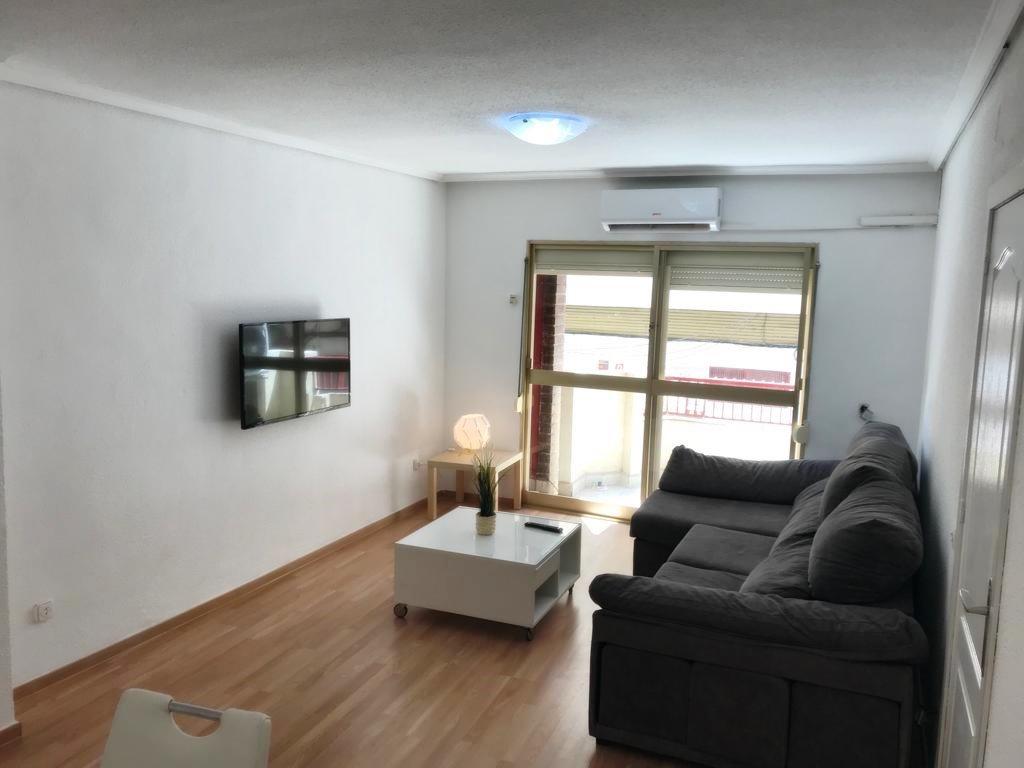 GT-0159-TK : Хорошая отремонтированная квартира в центре Торревьехи