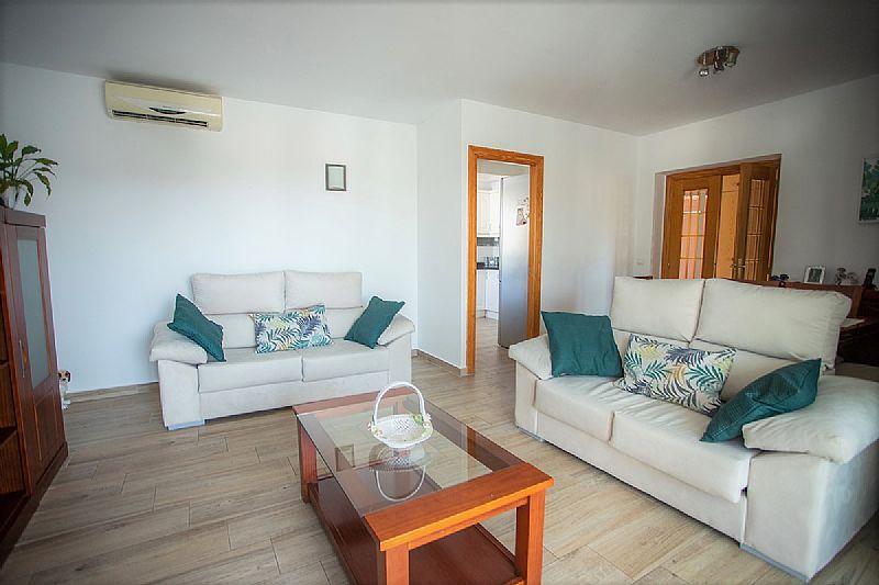 RV0162GT : Вилла c 2 независимыми квартирами в 800 м от моря