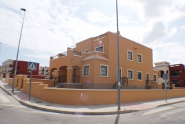 Продажа таунхаус в провинции Costa Blanca South, Испания: 3 спальни, 80 м2, № INM-00797-D – фото 2
