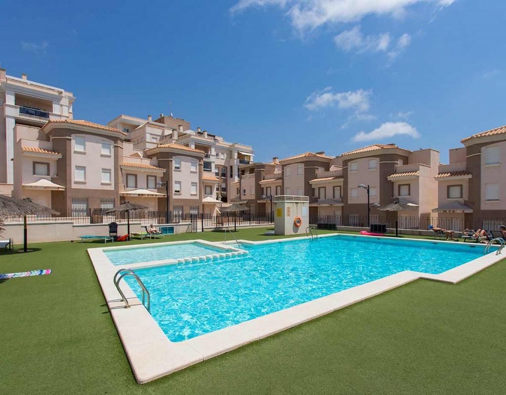 NC1481UR : Апартаменты с видом на море в 100 метрах от пляжа в Санта-Пола, на юге Коста-Бланки