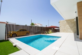Продажа виллы в провинции Costa Blanca South, Испания: 3 спальни, 136 м2, № NC2550VG – фото 2