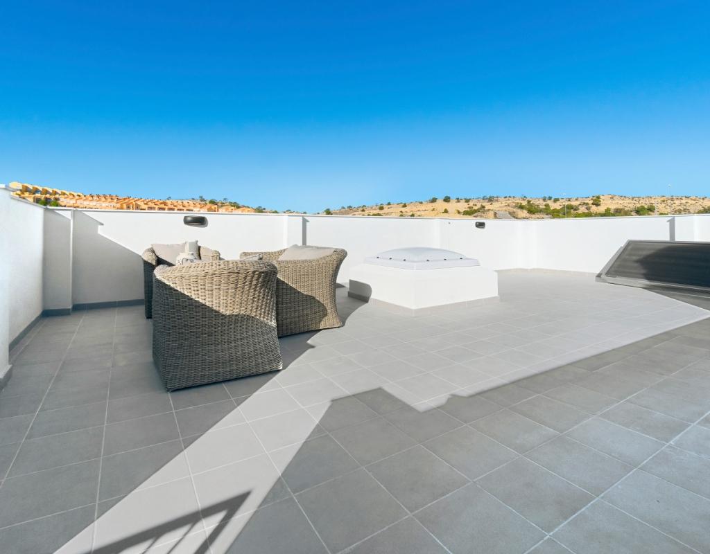 NC1615TW : Таунхаус в Аленда де Гольф,Аликанте, Alicante