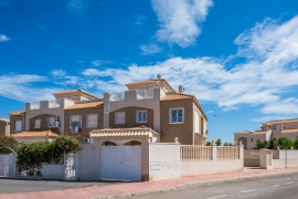 Продажа таунхаус в провинции Costa Blanca South, Испания: 2 спальни, 75 м2, № GT-0031-TK – фото 2