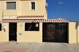 Продажа бунгало в провинции Costa Blanca North, Испания: 3 спальни, 145 м2, № GT-0084-TN – фото 2