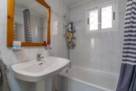 Продажа апартаментов в провинции Costa Blanca South, Испания: 2 спальни, 57 м2, № RV0080UR – фото 15