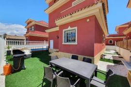Продажа виллы в провинции Costa Blanca South, Испания: 3 спальни, 100 м2, № GT-0179-TK – фото 3