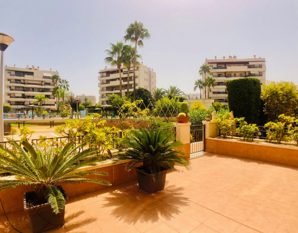 GT-0180-TO : Квартира рядом с пляжем, Ареналес дель Соль (Гран Алакант)