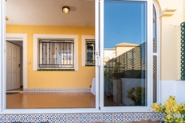 Продажа апартаментов в провинции Costa Blanca South, Испания: 2 спальни, 62 м2, № GT-0189-TN – фото 14