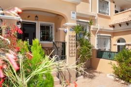 Продажа бунгало в провинции Costa Blanca South, Испания: 3 спальни, 76 м2, № GT-0216-TN-D – фото 3