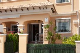 Продажа бунгало в провинции Costa Blanca South, Испания: 3 спальни, 76 м2, № GT-0216-TN-D – фото 2