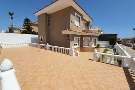Продажа виллы в провинции Costa Blanca South, Испания: 3 спальни, 125 м2, № GT-0251-TN – фото 1