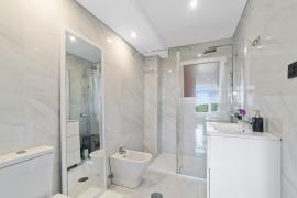 Продажа апартаментов в провинции Costa Blanca South, Испания: 3 спальни, 108 м2, № RV0094BE – фото 13