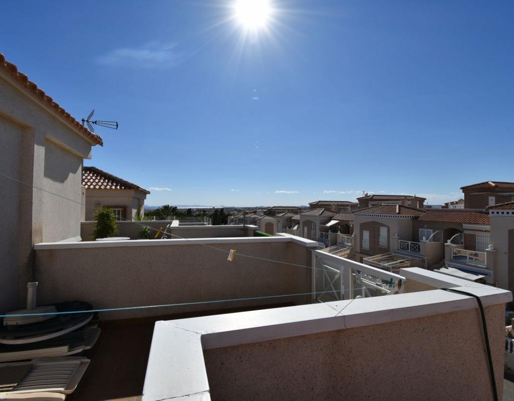 RV0099KO : Таунхаус в Альтос-де-ла-Баия с солярием, Торревьеха