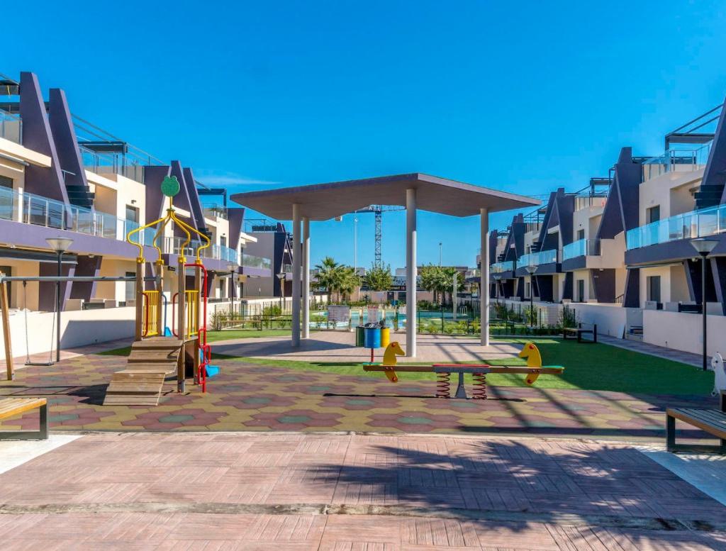 NC1470ZP : Новые квартиры рядом с пляжем в Торре-де-ла-Орадада