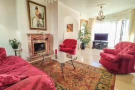 Продажа виллы в провинции Costa Blanca South, Испания: 4 спальни, № GT-0346-TF-D – фото 5