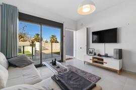 Продажа апартаментов в провинции Costa Blanca South, Испания: 3 спальни, 72 м2, № RV1909BE – фото 7