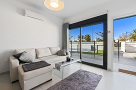 Продажа апартаментов в провинции Costa Blanca South, Испания: 3 спальни, 72 м2, № RV1909BE – фото 5