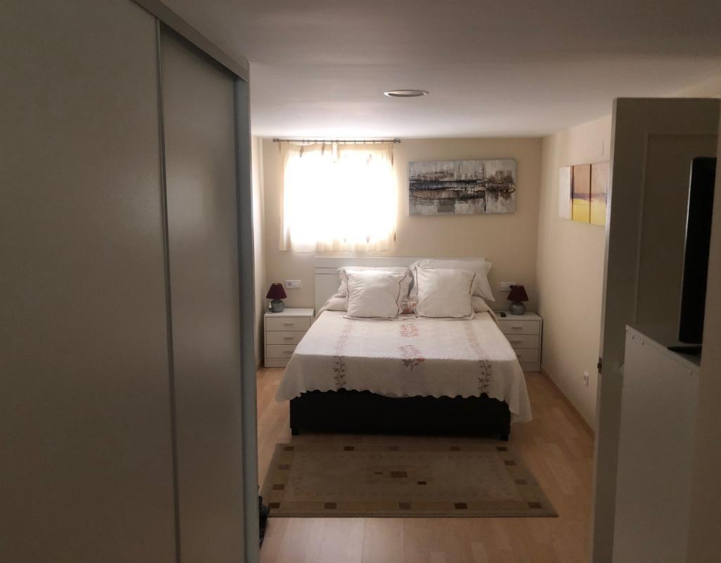 RV0205ID : 3х этажная вилла в Бенидорме в закрытой урбаниции