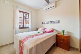 Продажа бунгало в провинции Costa Blanca South, Испания: 2 спальни, 60 м2, № RV0193KP – фото 15