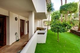 Продажа апартаментов в провинции Costa Blanca South, Испания: 2 спальни, 117 м2, № RV0212GL – фото 2