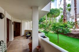 Продажа апартаментов в провинции Costa Blanca South, Испания: 2 спальни, 117 м2, № RV0212GL – фото 16